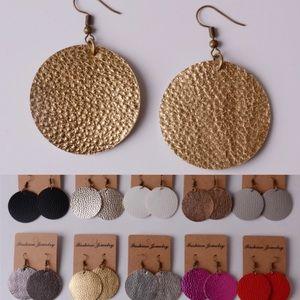 Jewelry - ❤️❤️round leather drop earrings❤️❤️